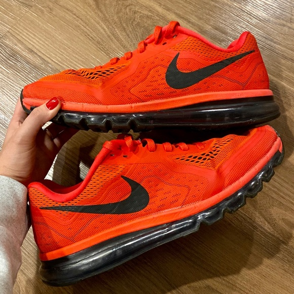 Nike Other - Men's Air Max 2014 in Red